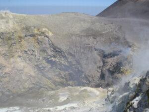 Etna cratere centrale interno luglio 2010