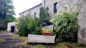 Sede Ente Parco dell'Etna con Stele iscrizione UNESCO